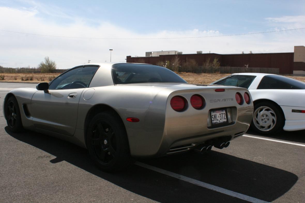 silver_car
