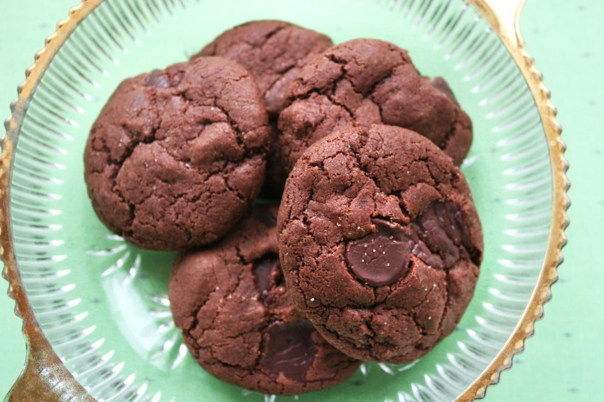 chocolate_chocolate_chip_cookie_recipe_rectangle_vegan
