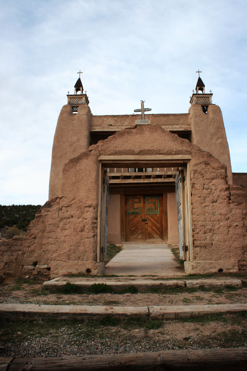 High road to Taos chapel